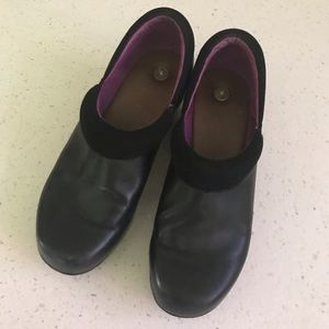 """Juil Black Leather """"Earthing"""" Clog 9/39"""